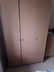 3 door double wardrobe