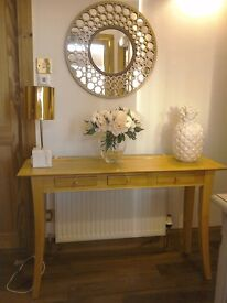 Desirable stylish console table☎