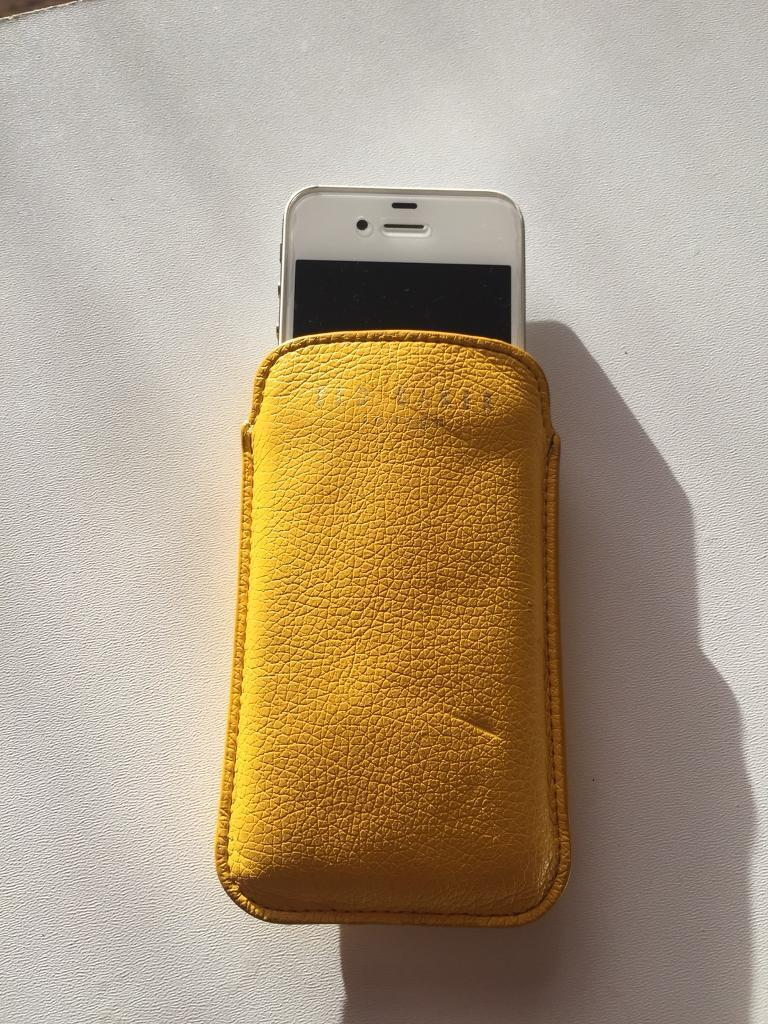 0bdd84e58 Ted Baker iPhone 4s Leather Case.