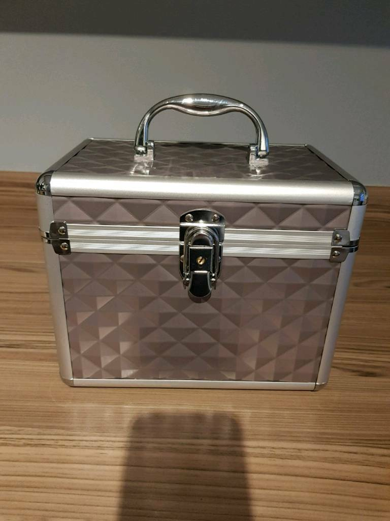 BRAND NEW GELISH VANITY CASE