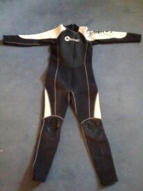 Wetsuit (Osprey) for junior aged 8 - 10 years