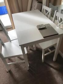4 seater white Table