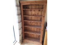 Nearly new oak bookcase in excellent condition