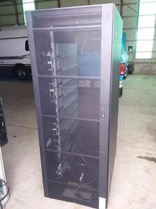 IBM 2101N 00 Storage Solutions Rack 36U