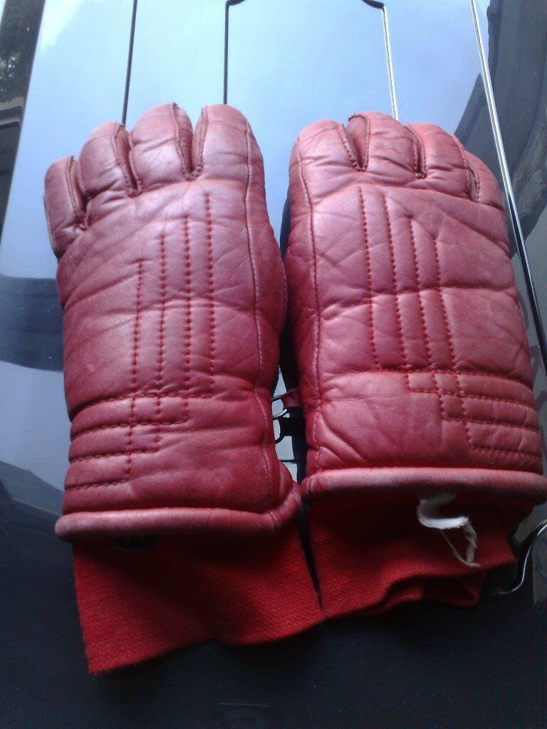 BEAUTIFUL SKI GLOVES - RED LEATHER - VERY WARM - VERY WARM LINING INSIDE -