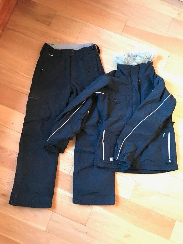 Women's Skiing Trousers and Jacket