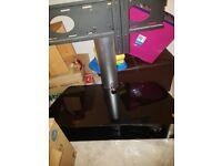"""Panasonic 42"""" plasma tv and glass stand £150 ono"""