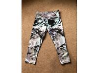 Onzie Brand Capri Yoga/Workout leggings