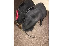 New black mesh boots size 6