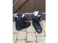 Saloman snowboard boots size 9