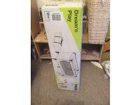 Hauck dream and play travel cot - new in box
