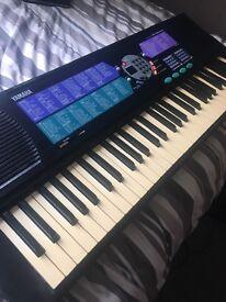 Yamaha PSR-185 Electric Keyboard with Power Adaptor