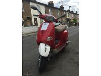PIAGGIO VESPA ET4 125cc - CHERRY RED & WHITE