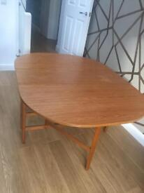 Drop leaf foldable dining table