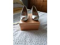 Glamour shoes size 4