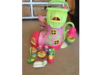 Excellent condition ELC Happyland Shoe house and accessories