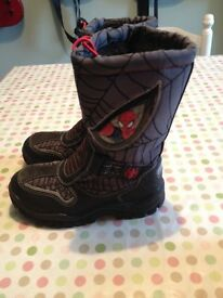 Children's winter Spider-Man boots with furry lining size European 31 (UK 12.5)