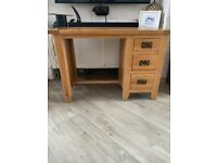 Oak desk ( Nearly new )