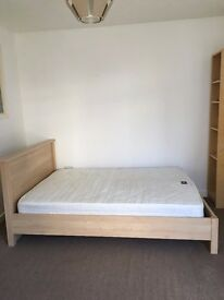 SB Lets are delighted to offer this spacious studio flat with a separate kitchen in Brighton.