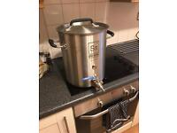 SS Brewtech 5 Gallon (US) Kettle And Induction Hob. Used Twice. Excellent Condition. Boxed.
