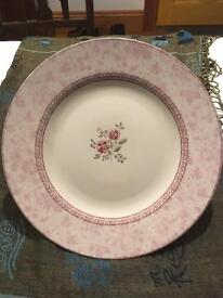 Decorative Dinner Plate Rose Damask