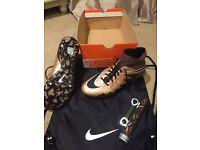 Nike Hypervenom Phantom ll SG-PRO sock boots size 6.5