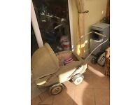 Antique 1920s Full Size Whicker Pram/ Pushchair for Sale