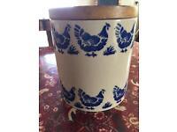 Bridgewater old style blue hen storage pot with lid
