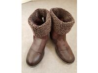 Ladies Ankle Boots Shoes - Size 5 Adult