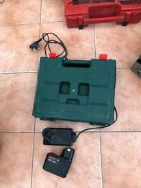 Bosch 12 volt cordless drill/ Driver