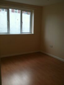 1ST FLOOR GOOD SIZE ONE BEDROOM FLAT..5 MINUTE STROLL FROM SOUTHSEA BEACH/SHOPPING CENTRE/NIGHTLIFE