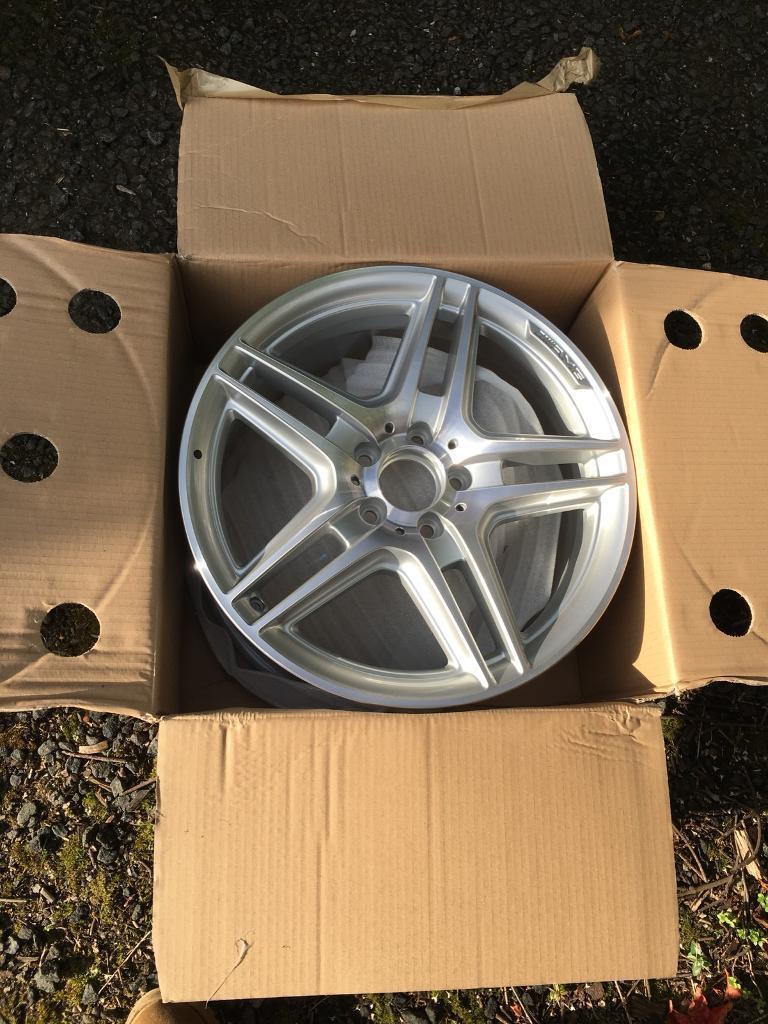 """Mercedes Benz 18"""" alloy wheel"""