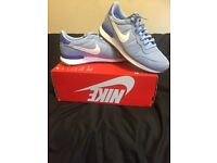 Nike internationalist available in size 5&6