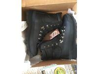 Alt-Berg men's size 9 boots