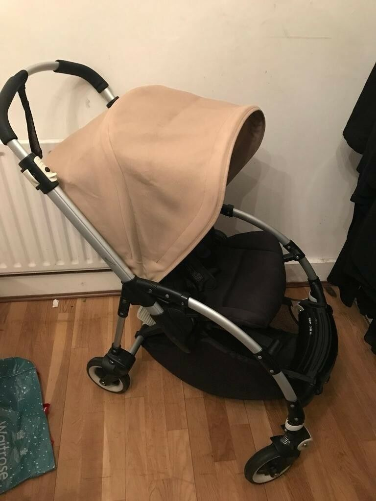 BUGABOO BEE PLUS SHORT STRAP 2 BUTTON FOLD 2013 MODEL IN GREAT CONDITION
