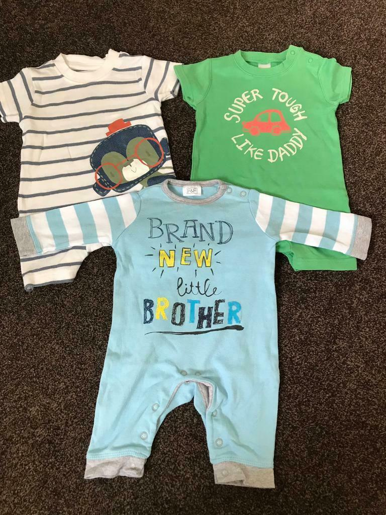 2a22a841fcd 0-3 month rompers