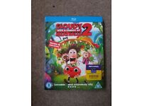 Cloudy with a chance of meatballs 2 blu-ray. In good working condition.
