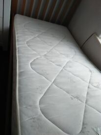 JOHN LEWIS SINGLE MATTRESS **EXCELLENT CONDITION**
