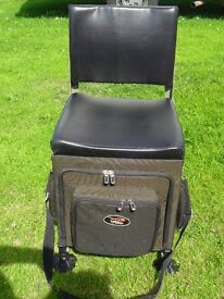 TF Gear Compact Deluxe Seat Box