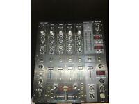 Behringer DJX750 Mixer