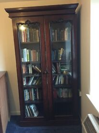 Mahogany bookshelf for sale, beautiful, and in good condition. Collection only.