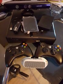 Xbox 360 built in 4GB with 16 games and extras (See Description for list)