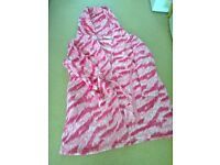Avon ladies hooded pink dressing gown size 22/24