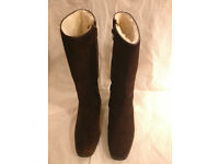 Boots Ladies size 37 UK 4.5 dark Brown suede with Natural soft sheepskin inner calf length side zip