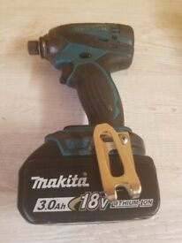 Used Makita DTD146 LXT 18 v cordless Impact driver with battery. GWO. See photos & details