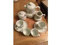 25 piece tea/coffee set