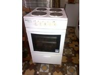 electric freestanding cooker with oven in very good condition can deliver