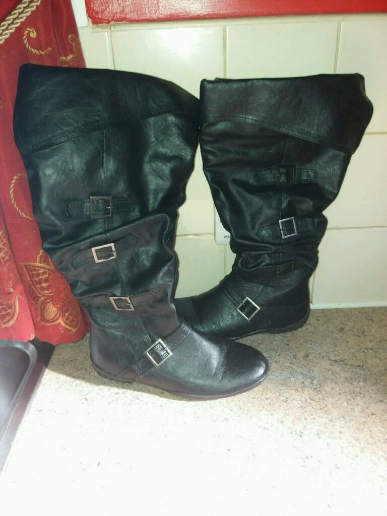 Ladies long boots size 4