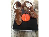 Karen Millen brand new in box tan ladies shoes/sandals size 38/5.