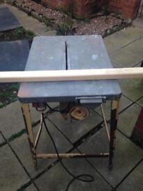Bench saw